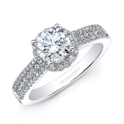 18k White Gold White Diamond Halo Engagement Ring