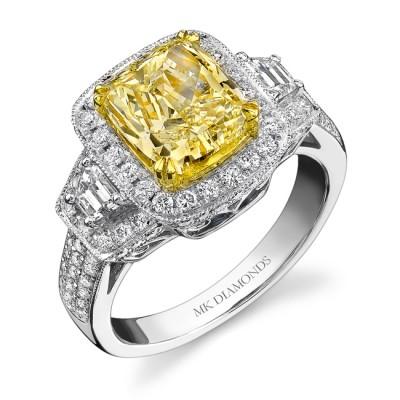 18k White and Yellow Gold Trapezoids Diamond Ring