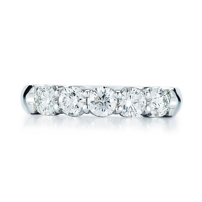 Round Diamond 5 Stone Band